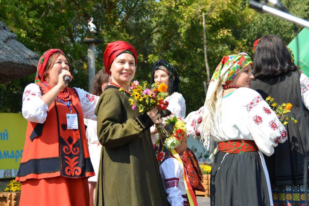 Арт-проект українського народного костюму «З прадавньої бабусиної скрині»